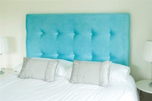 Stylish-Headboard-with-Crystal