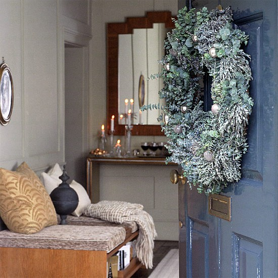 Outstanding Top 5 Christmas Tips On How To Decorate The Entrance To Your Home Largest Home Design Picture Inspirations Pitcheantrous