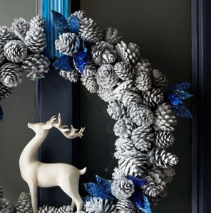 contemporary door wreath from housetohome.co.uk